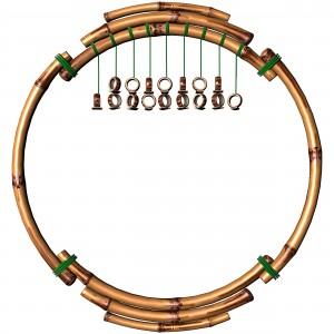 Оригинальная фоторамка в форме кольца, сделана из бамбука.