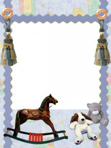 Красивая рамка для детского фото. Плюшевые медведь и собака, качалка лошадка, обои пастельных тонов и пуговицы. Идеальная компания любимого чада.