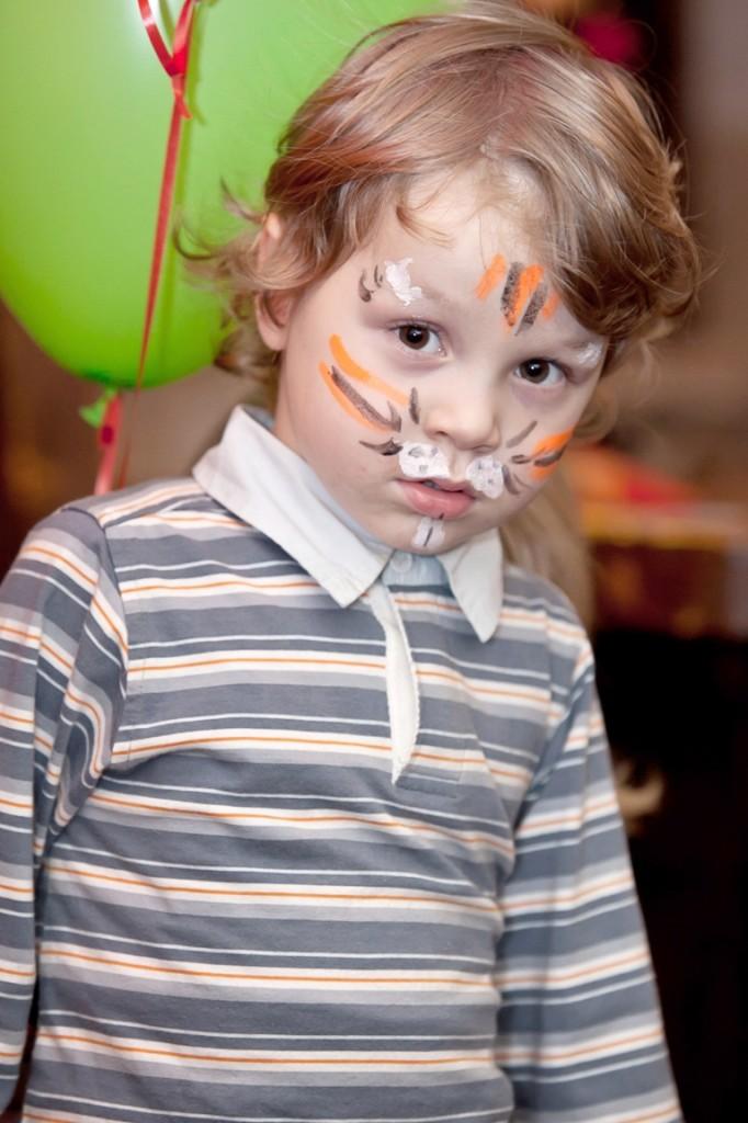 Портретная фотосъёмка детей может проходить где угодно - дома, в школе, на улице, на празднике или в студии. Портретная фотосъёмка детей на дне рождения ребёнка - хороший подарок и взрослым, и детям
