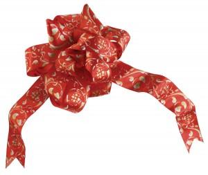 Красочная лента, собранная в пышный розан.