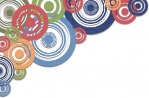 Оригинальный угловой декор из разноцветных окружностей.