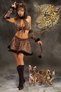 Женские шаблоны и костюмы для фотошопа - 148. Женщина-кошка с молодыми тигрятами