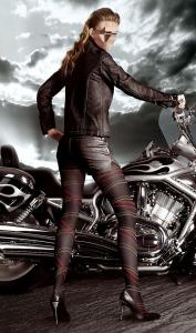 Женские шаблоны и костюмы для фотошопа - 50. Кожаная леди любит мотоциклы