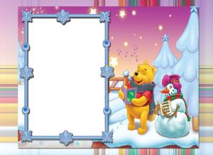 Новогодняя фоторамка. Вини Пух и Снеговик принесли детишкам подарки, пройдя сквозь заснеженный лес и не заблудившись.
